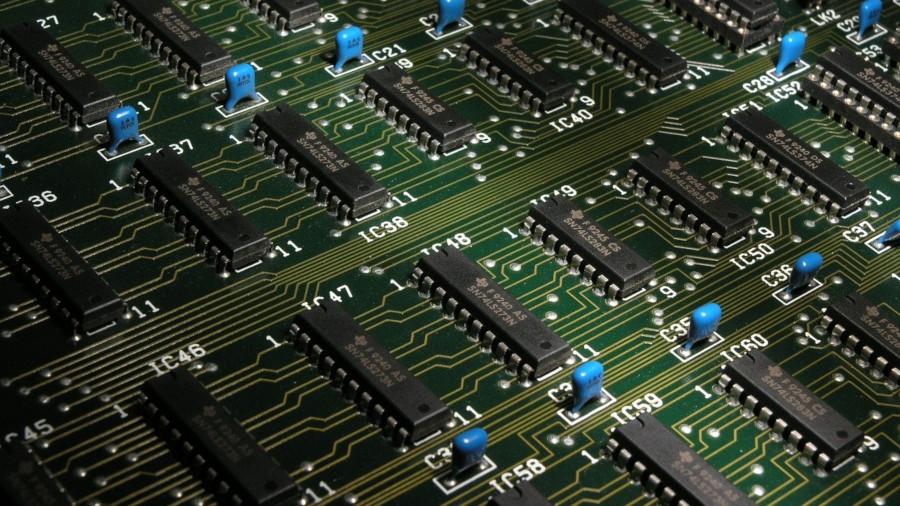 組み込みのFPGAとは?仕組み、意味、特徴をわかりやすく解説