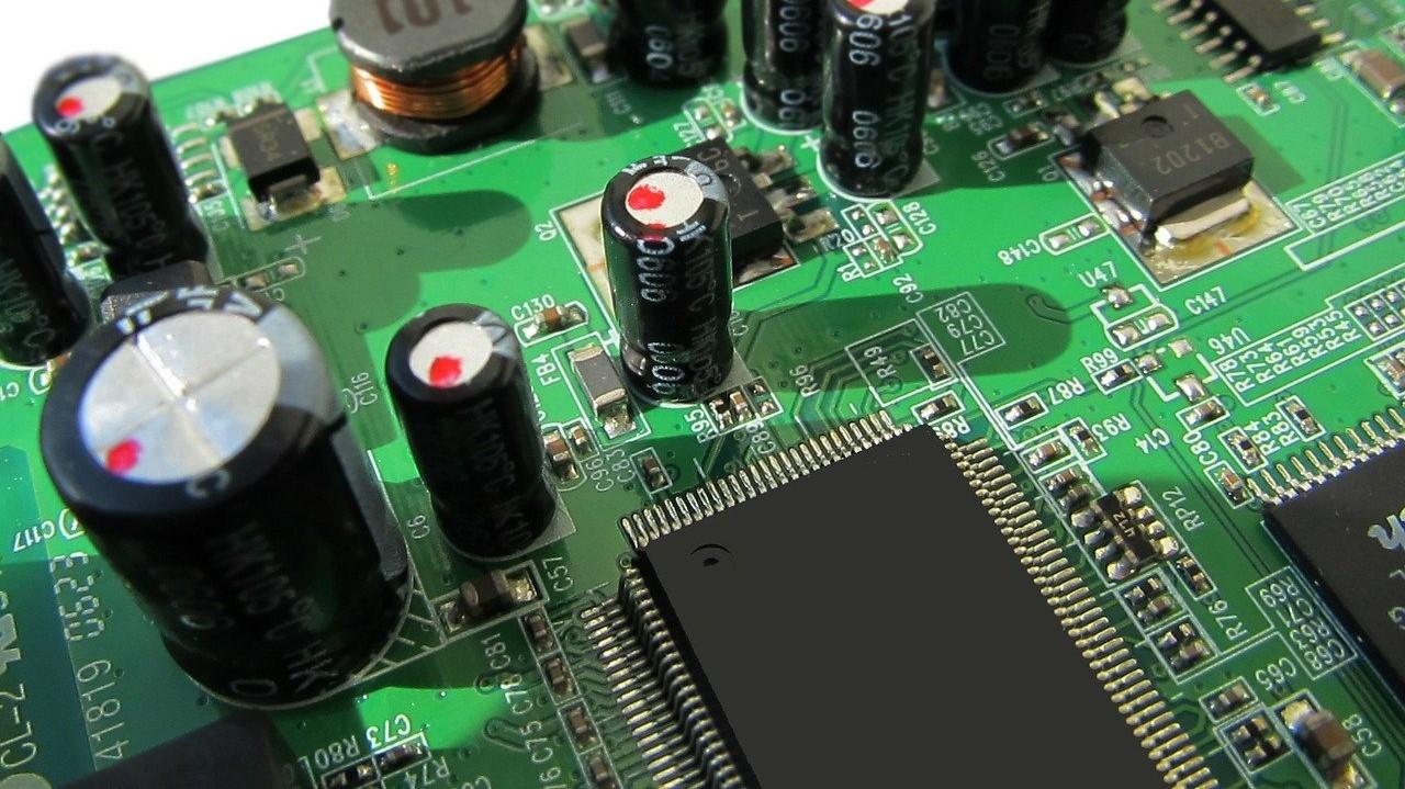 PSoC 5LPとは?仕様・機能・評価ボード・開発環境・対応OSを紹介