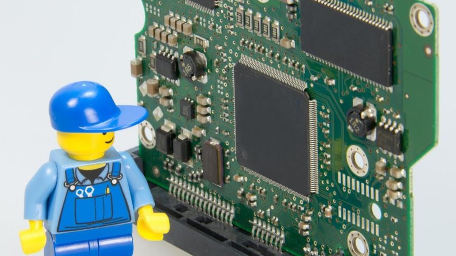 LPC4300シリーズとは?仕様・機能・評価ボード・開発環境・対応OSを紹介