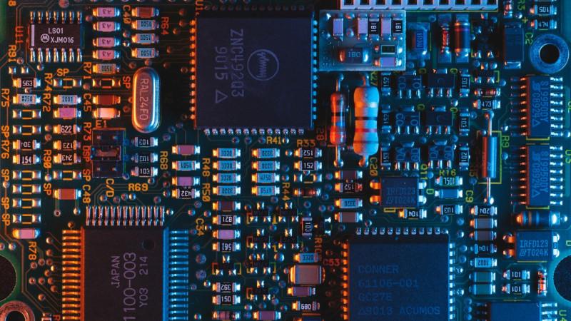 MicrochipのSAM Sシリーズとは?仕様・機能・評価ボード・開発環境・対応OSを紹介